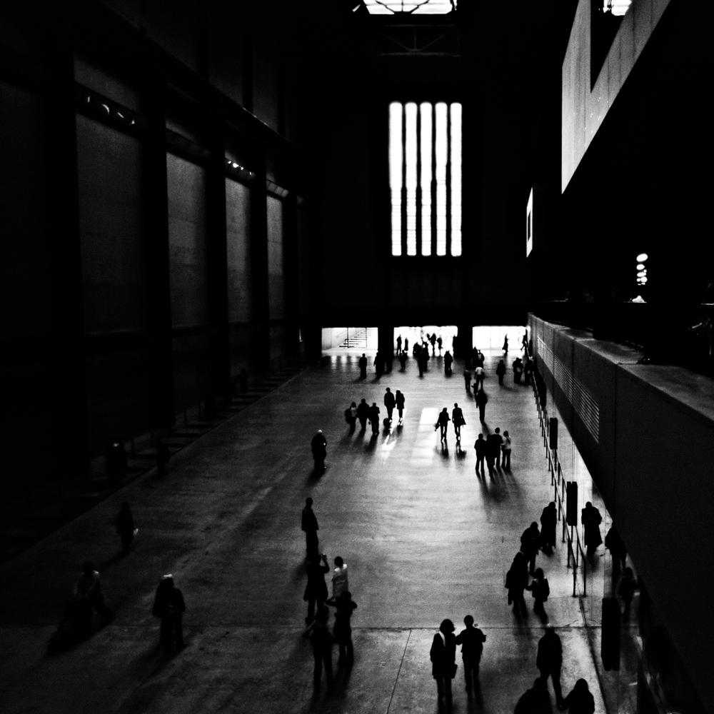 Tate Gallery - London The entrance alley Nikon F4s + 18-35/3.5-4.5 Nikon AF-D