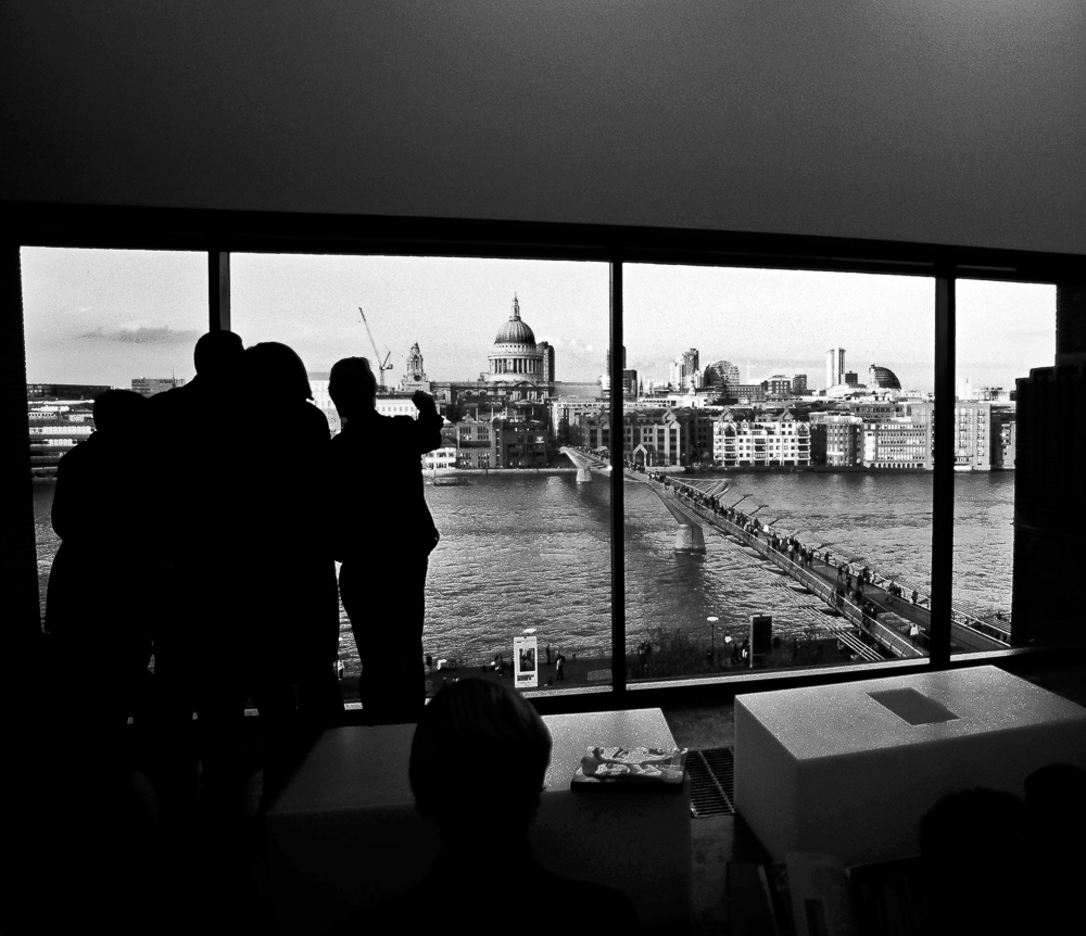 Tate Gallery - London The cafè room Nikon F4s + 18-35/3.5-4.5 Nikon AF-D