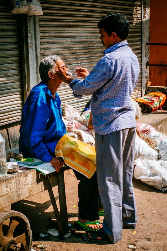 Street shave, Chandni Chowk - Delhi