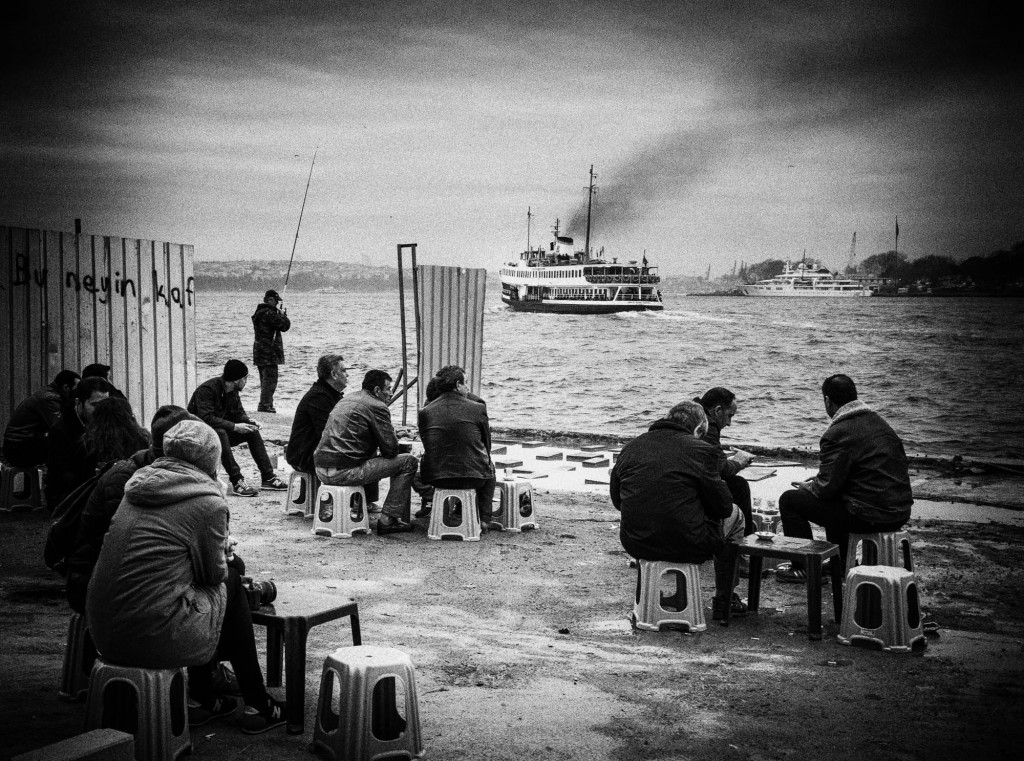 People sitting and fishing in Karaköy, Istanbul (c) Pascal Jappy, DearSusan