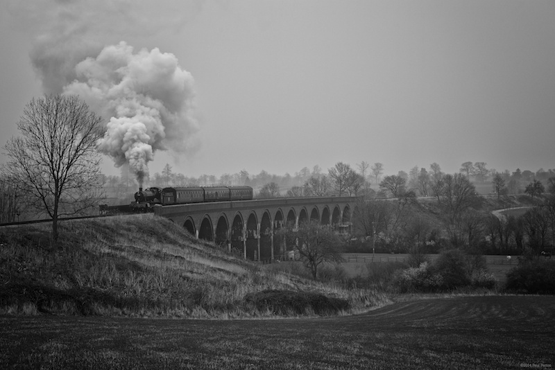 Dinmore Manor crosses Stanway Viaduct