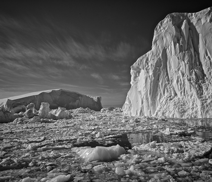 #233. Icebergs in black and white