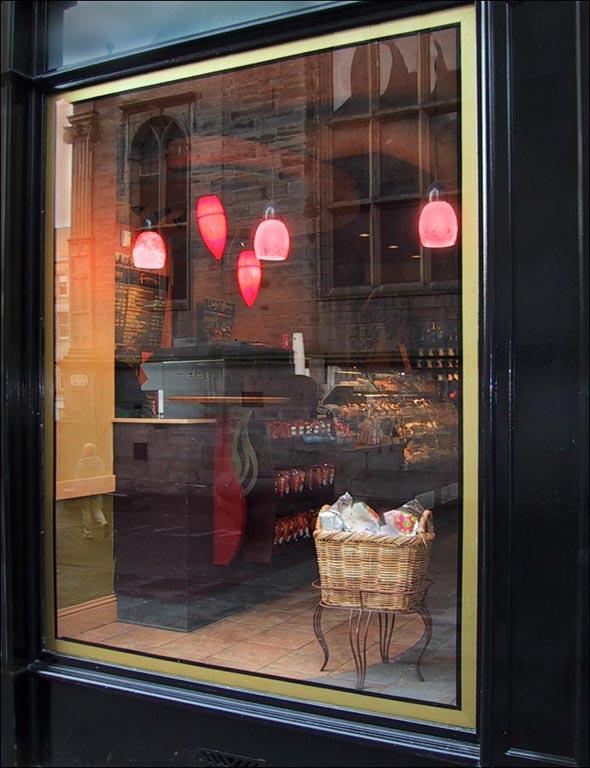 Café 1 - Study in Scarlet (c) Eolake Stobblehouse