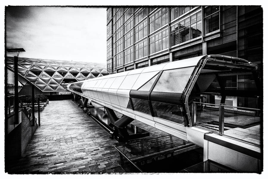 A pedestrian passage in Canary Wharf looks like a space shuttle