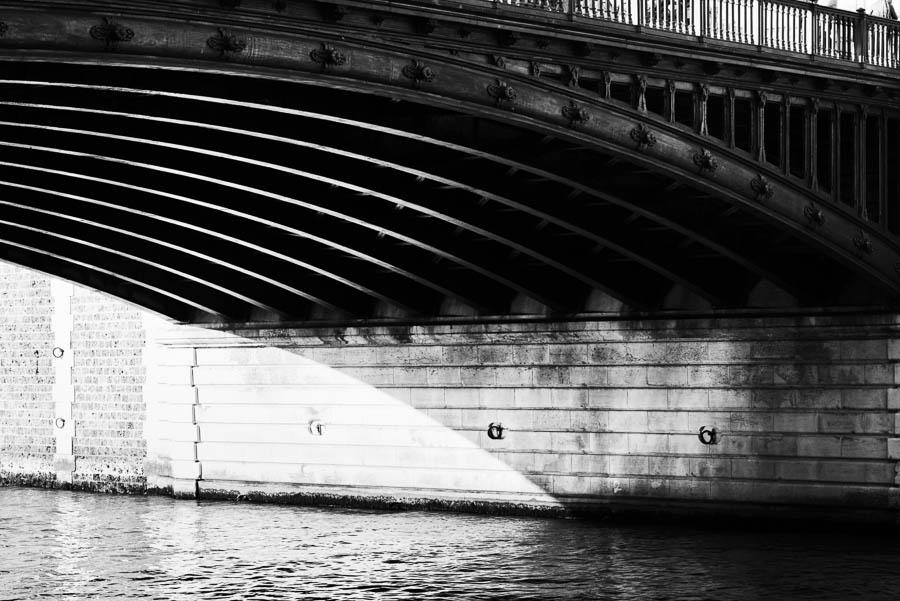 Pont au double, Notre Dame, Paris - Sony A7r & Zeiss OTUS 85/1.4