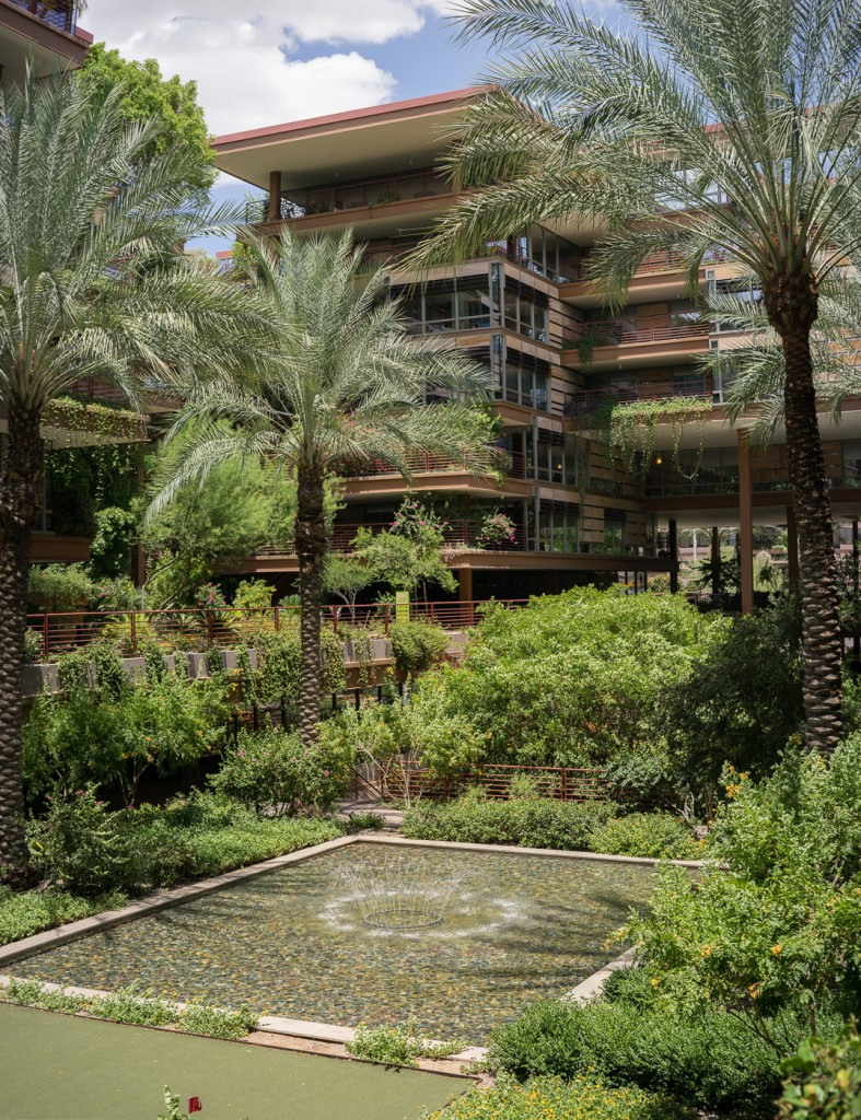 Optima Camelview Village in Scottsdale, Phoenix, Arizona. Sony A7r & Zeiss C-Sonnar 1.5/50 ZM