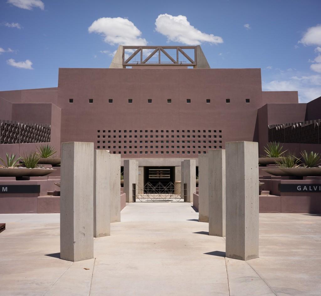 Nelson Fine Art Center in Tempe, Phoenix, Arizona. Sony A7r & Zeiss C-Sonnar 1.5/50 ZM