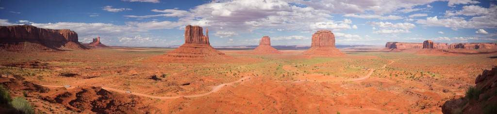 A panorama of Monument Valley, Arizona. Sony A7r & Zeiss Distagon 1.4/35 ZM