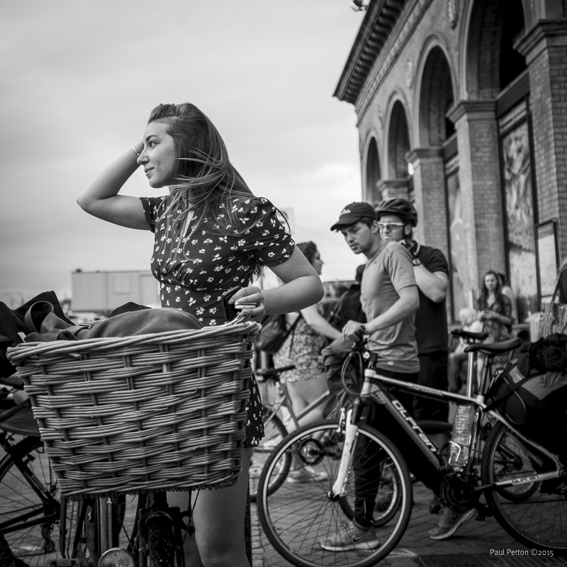 '40s style at the station - Cambridge