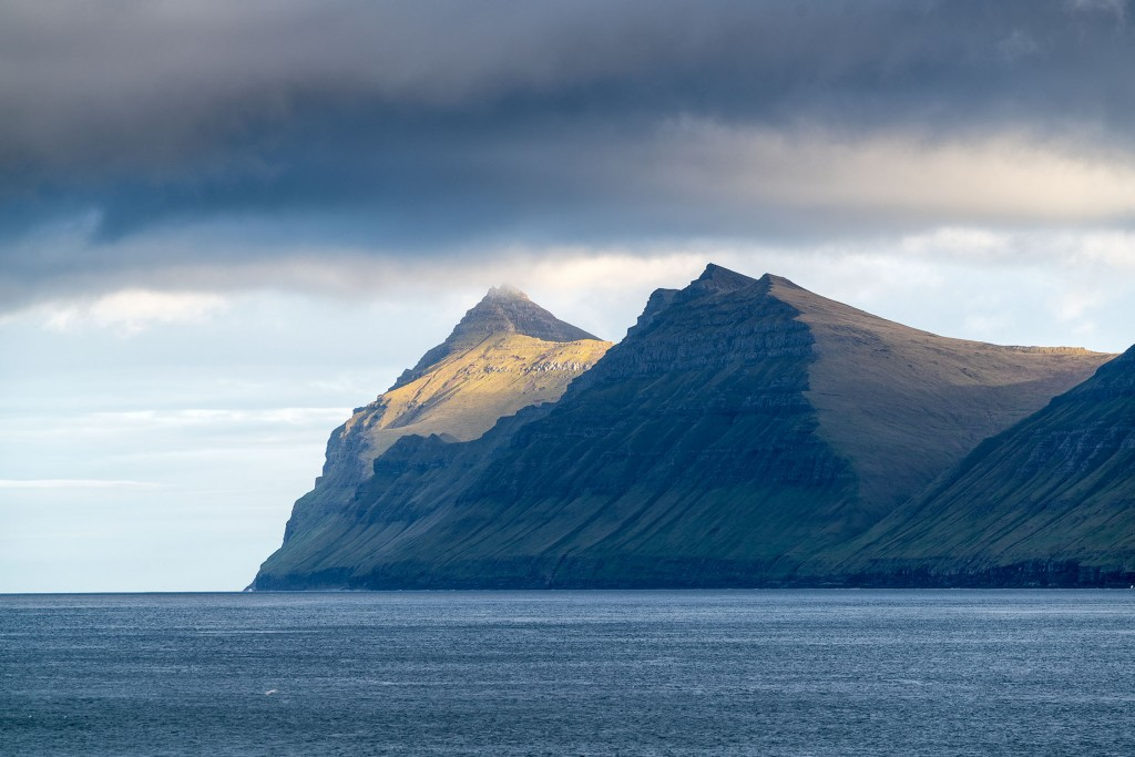 673DSC2994 First Light on Kalsoy from Leirvik