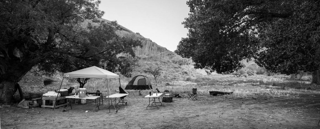A photo tour camp at night in Canyon de Chelly