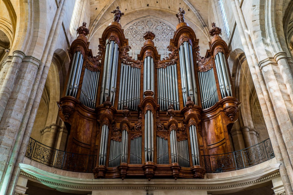 Great orgen in Saint-Maximin - Sony A7r2 & Zeiss Loxia 35