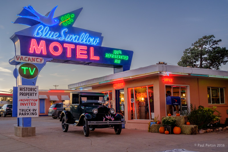 The Blue Swallow Motel, Shamrock