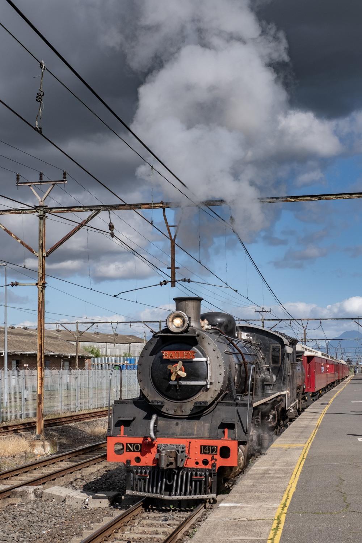 Class 19B no. 1412 departs Wellington, August 2018
