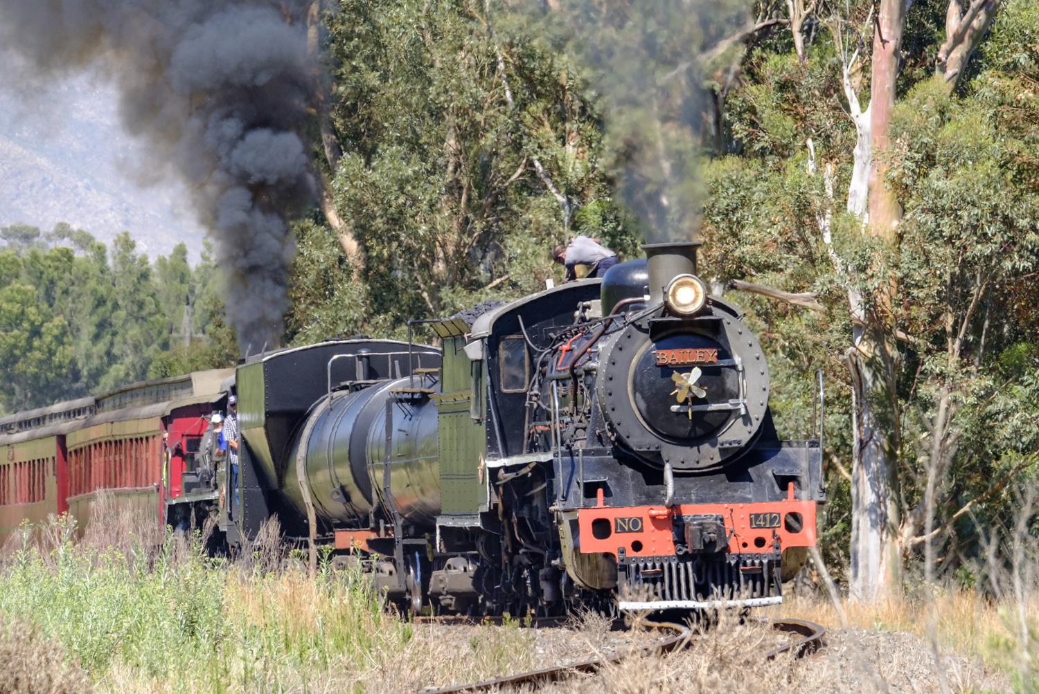 "October and Ceres Rail's two 19th class are back on an excursion to Elgin, led by coal burning 1412, ""Bailey"" and followed by 3322, the oil burner as can be seen from its exhaust."